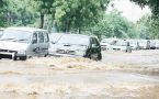 Gurugram : Post Heavy Rainfall causes Waterlogged Roads, Traffic Snarls