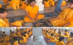 PM Modi Birthday : Varanasi Students performs Hawan to wish him