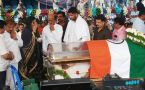 People gather to pay tribute to former Union Minister Ambareesh at Kanteerava Stadium