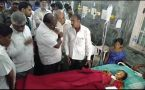 CM Kumaraswamy meets people hospitalised after consuming 'prasad' in Chamarajanagar