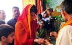 Priyanka Gandhi prayers at Sita Samahit Temple on 2nd day of 'Ganga-Yatra'