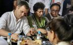 Rahul having meal at 'Kamboj Dhaba' in Haryana's Indri