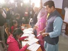 Rajasthan Election 2018: Minister Rajyavardhan Rathore casts his vote