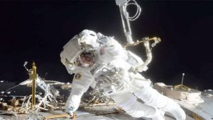 NASA : US Astronauts complete spacewalk outside International Space Station