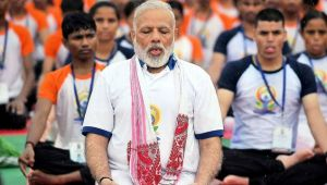 PM Modi braves rain to attend World Yoga day in Lucknow with 51,000 participants