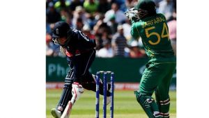 ICC Champions Trophy : Pakistan bowls out England at 211, needs 212 to win