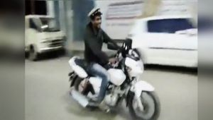 Man steals cop bike and cap in Karnataka, giggling all way along