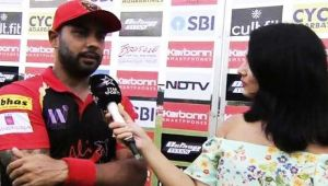Mayanti Langer blushes while interviewing hubby Stuart Binny on their anniversary