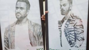 MS Dhoni and Virat Kohli received unique gifts from Assam fan