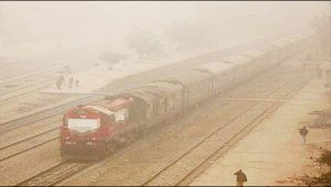 Delhi winter : Trains and flights delayed due to poor visibility