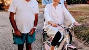 Sonia Gandhi is enjoying her retirement Goa, pictures go viral, Watch