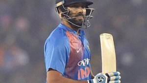 India vs SL 2nd T20I : Rohit Sharma out for 118 runs, big wicket for Lanka