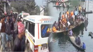West Bengal : Bus drowns into drain in Murshidabad, killing 24 people
