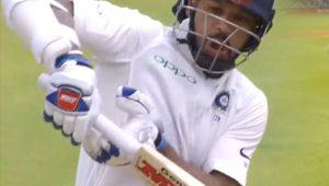 India vs SA 1st test 4th Day: Shikhar Dhawan dismissed for 16 runs, throws his wicket again