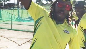 Chris Gayle does 'Bhangra Dance' after joining KXIP team, Watch video