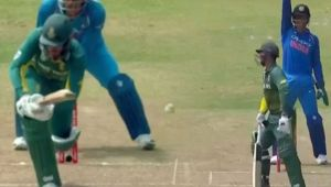 India vs South Africa 1st ODI: Chahal dismisses de Kock for 39 runs,Africa loses 2nd wicket