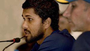 India vs Sri Lanka 3rd T20I : Dinesh Chandimal suspended for over rate offence