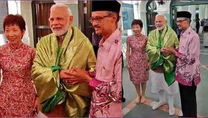 PM Modi visits Singapore's Chulia Mosque  Watch Video