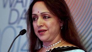 'It will take a minute to be Chief Minister', Says Hema Malini