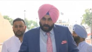 Navjot Singh visits Islamabad to attend Imran Khan's Oath Ceremony