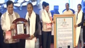 Asian Games Gold Medalist Hima Das fecilitated by Assam CM Sonowal