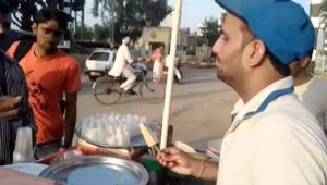 Arjuna Awardee boxer Dinesh Kumar selling ice cream on streets to earn living
