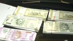 Couple dupes jeweler by buying gold worth lakhs using fake currency