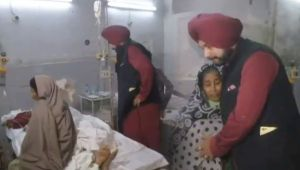 Amritsar Train Dussehra Tragedy: Navjot Singh Sidhu meets victims at Hospital