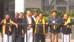 Andhra Pradesh Special State : CM Naidu, TDP MLAs wear black T.shirt to protest