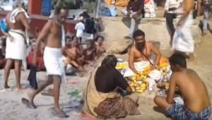 Devotees takes holy dip in Rameswaram's Agni Theertham on Occasion of Amavasya