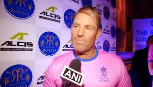 Virat Kohli is terrific leader but MS Dhoni helps him in Pressure, States Shane Warne