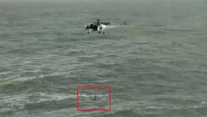 Indian Coast Guard helicopter rescues man from drowning off Goa | Viral Video
