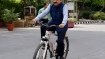 Harsh Vardhan comes on a bicycle to take charge of ministry