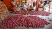 Bengaluru: Onion dishes off the plates at houses, hotels and Paying guests