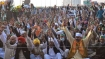 Rahul Gandhi, all opposition parties join agitating farmers at Jantar Mantar