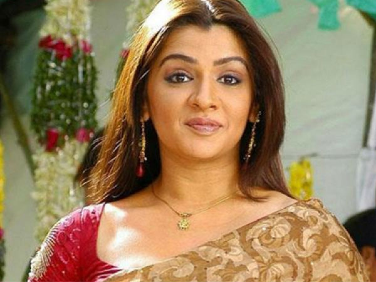Failed Suicide attempts, obesity and sudden demise: A troubled life of  Telugu actress Aarthi Agarwal - Oneindia News