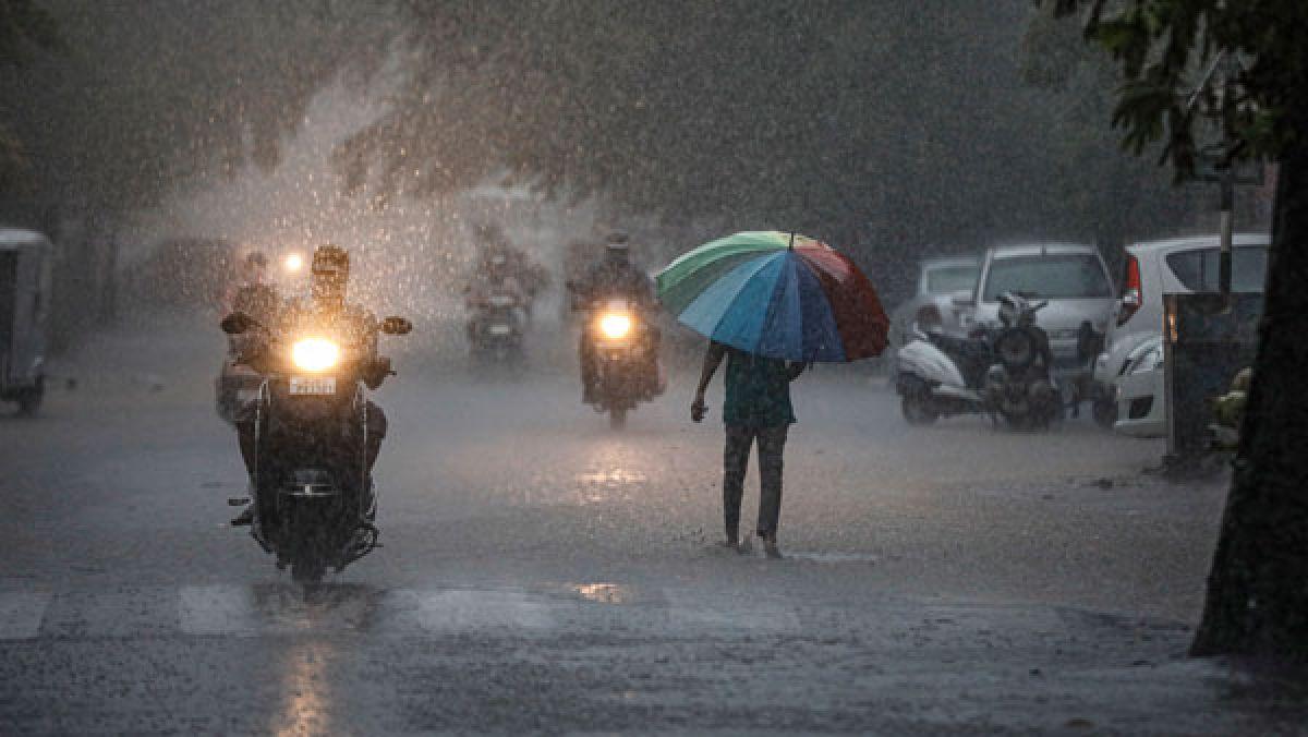 MeT predicts heavy rainfall in many parts of Odisha - Oneindia News