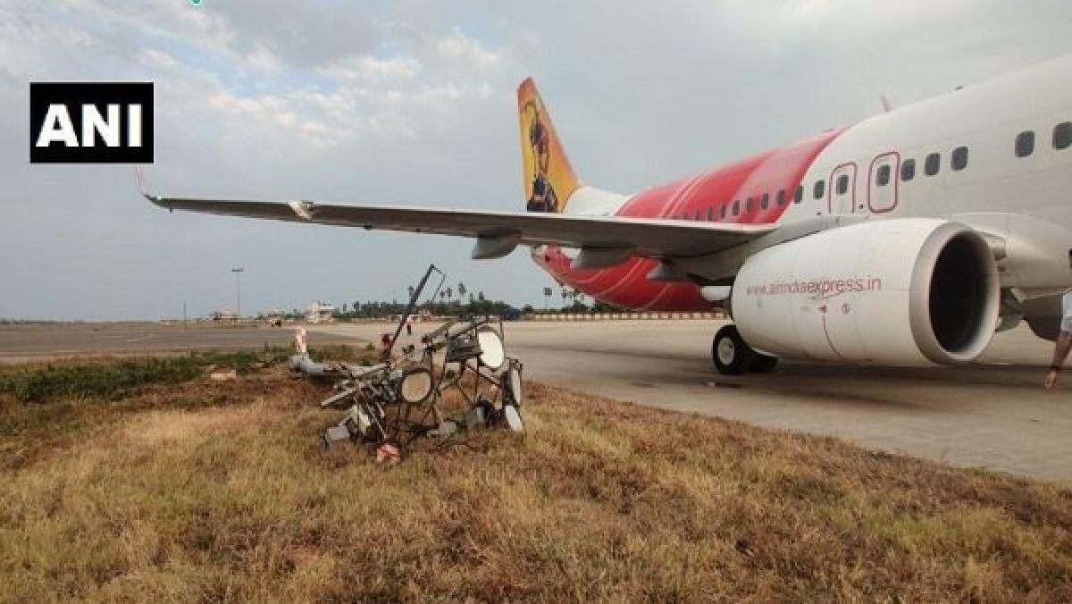 Air India Express flight hits electric pole at Vijayawada airport, Passengers safe