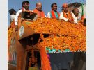 UP: Cong-SP, BJP's colourful roadshows