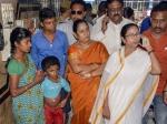 Mamata Banerjee invites striking doctors for talks today after Calcutta HC push