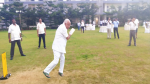 Yeddyurappa plays cricket with party MLAs as ruling coalition gasps for survival