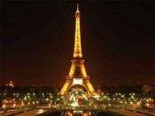 Bomb Threat to Paris Eiffel Tower; 1,500 people evacuated