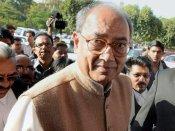 Digvijay Singh seeks CBI probe in MPPEB scam, HC seeks govt's reply