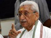 Ashok Singhal demands nation-wide ban on cow slaughter