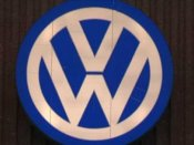 Moody's downgrades Volkswagen due to emissions scandal