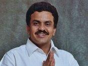Congress' Sanjay Nirupam compares Vajubhai Vala to dog