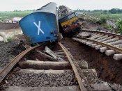 1 dead, 10 hurt in Dutch train derailment: mayor
