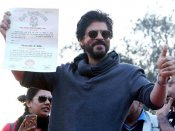 Shahrukh Khan gets his graduation degree from Hansraj College after 28 years