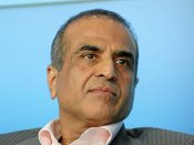 Sunil Mittal receives this year's Harvard Alumni award