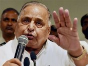 No grand alliance in UP, only merger is possible: Mulayam